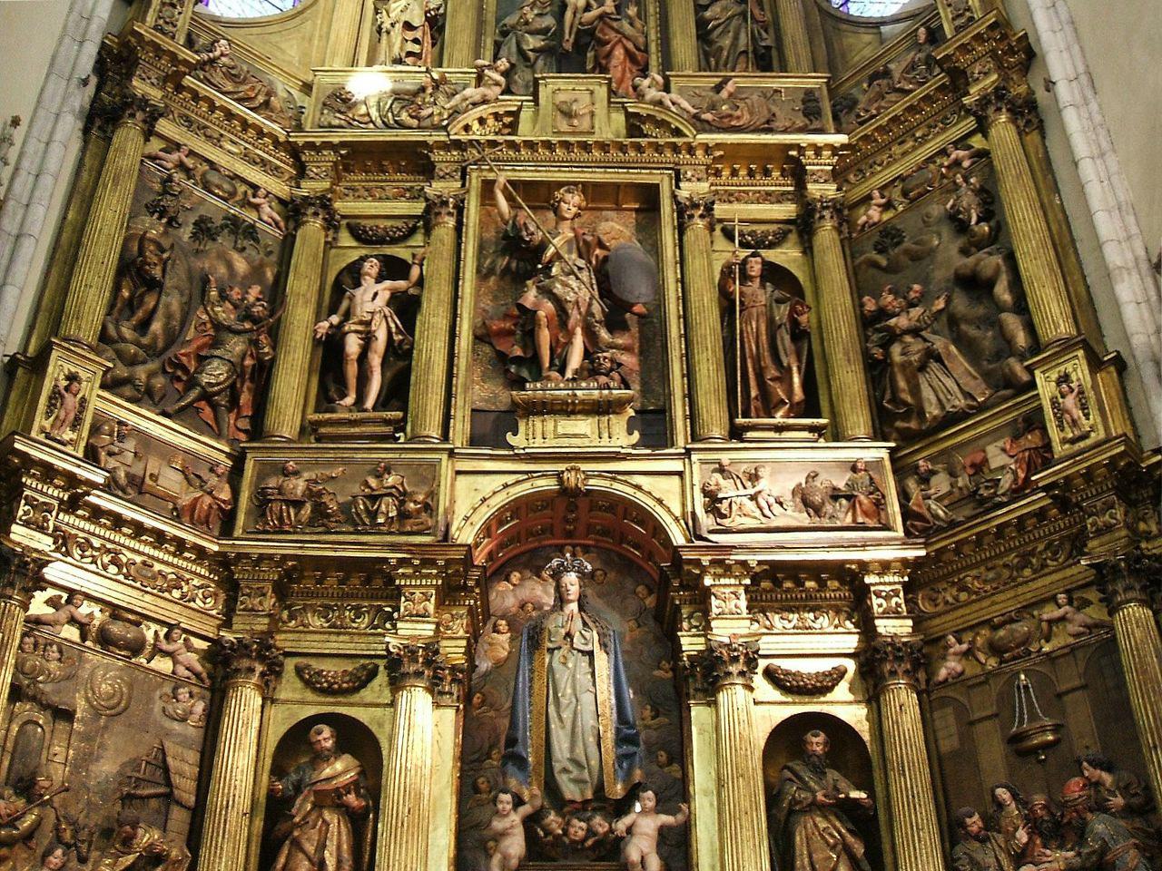 Vitoria Gasteiz iglesia Euskadi retablo