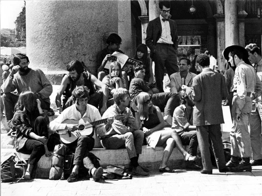 Jóvenes turistas, 1966