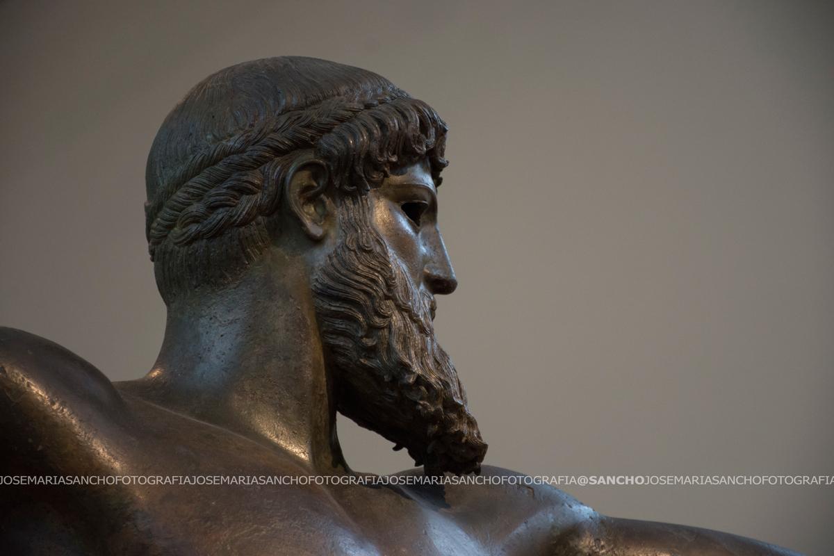 escultura-grecia-atenas-arte-historia-museo-fotografía-arqueología