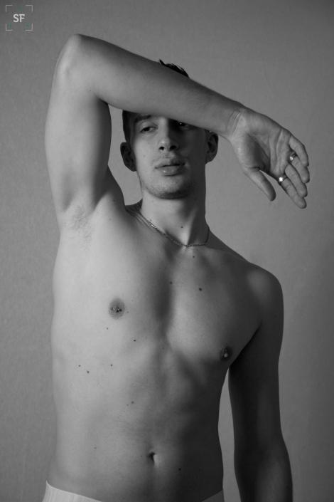 modelo gay desnudo